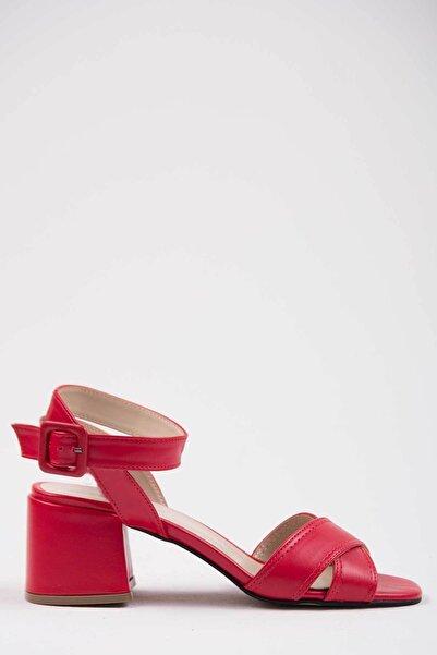 Oioi Kadın Kırmızı Topuklu Ayakkabı 1009-119-0002_1007