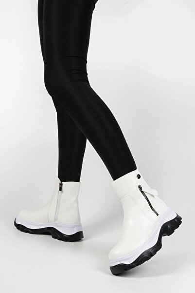 Beyaz Rugan Kadın Arole Dolgu Bot 19K0019SM3194