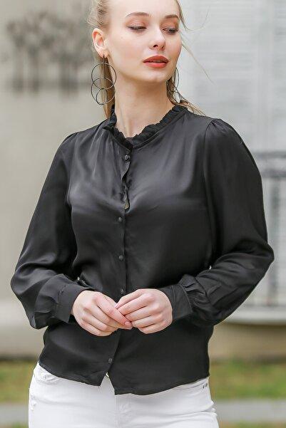 Chiccy Kadın Siyah Retro Yakası Fırfır Detaylı Gömlek M10010400Gm99546