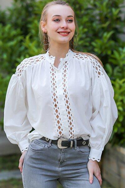 Chiccy Kadın Beyaz Vintage Yakası Ve Omuzları Ara Dantelli Balon Kol Gömlek M10010400Gm99542