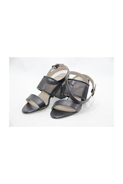 İnci Kadın Siyah Deri Topuklu Ayakkabı
