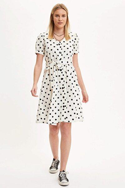 Kadın Beyaz V Yaka Puantiye Detaylı Kuşaklı Dokuma Elbise R1425AZ.20SM.WT43