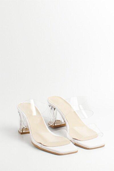 Kadın Beyaz Şeffaf Topuklu Bantlı Terlik Sandalet