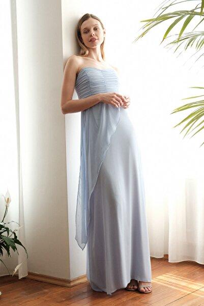 TRENDYOLMİLLA Mavi Omuz Detaylı Abiye & Mezuniyet Elbisesi TPRSS20AE0260