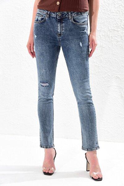 Big Free Kadın Mavi Yüksel Bel Yırtık Detaylı Jean Pantolon Tb20Yb011237