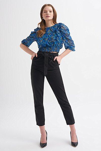Quzu Kadın Siyah Beli Kemer Detaylı Mom Pantolon