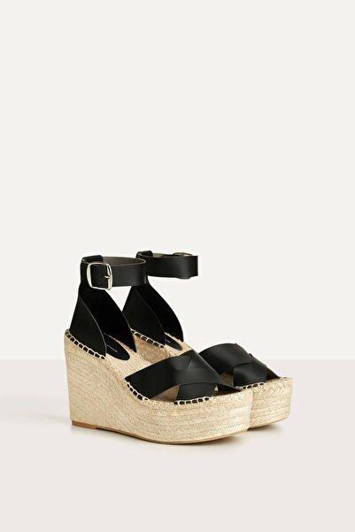 Bershka Kadın Siyah Bilek Kayışlı Jüt Dolgu Topuk Ayakkabı 11814660