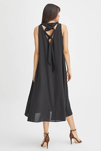 Kadın Siyah Arkası Bağcıklı Elbise 20YG001305
