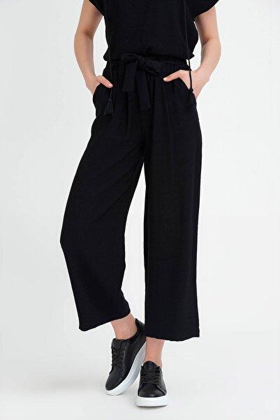 Kadın Siyah Bol Paçalı Keten Pantolon 20YG001102