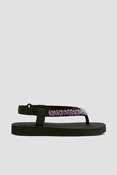 Pull & Bear Kadın Pembe Boncuk Detaylı Düz Spor Sandalet 11658540