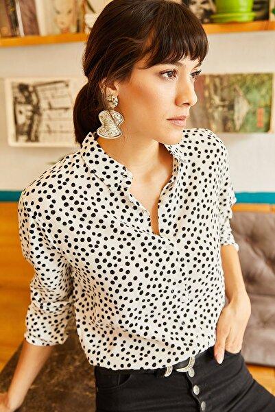 Kadın Beyaz Puantiyeli Gömlek GML-19000635