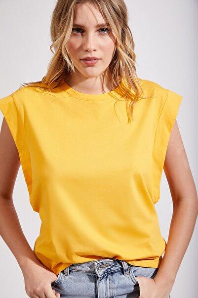Kadın Sarı Kolsuz Basic Örme T-Shirt Hf00135
