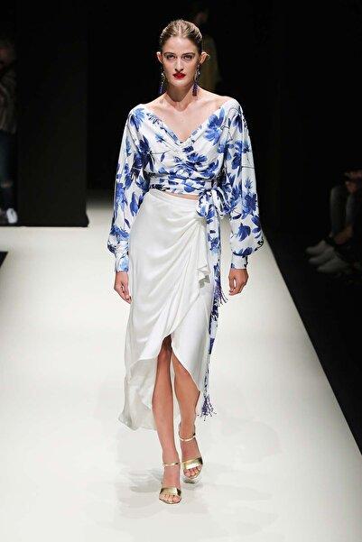 Meltem Özbek Büzgülü Mavi Çiçekli Bluz