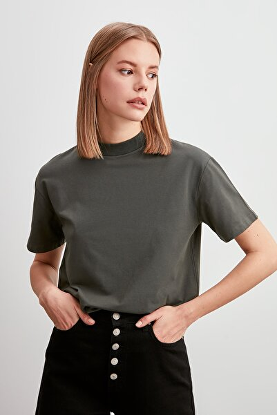Haki Dik Yaka Basic Örme T-Shirt TWOAW20TS0096