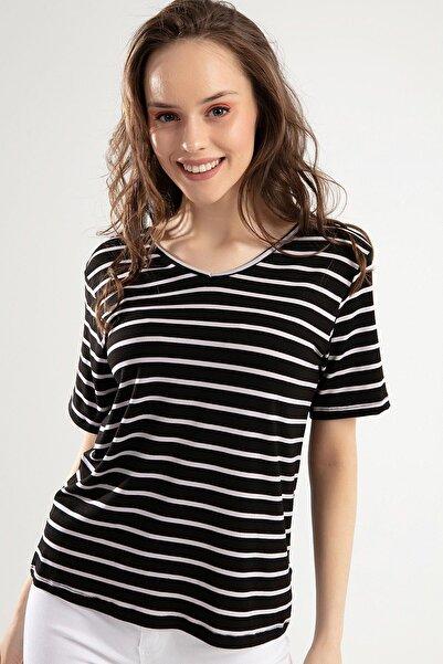 Y-London Kadın Siyah Beyaz V Yaka Çizgili Tişört Y20S159-5825