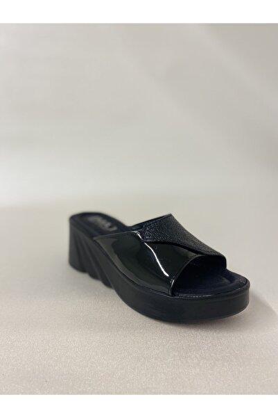 İmaj Kadın Siyah Dolgu Topuk Rugan Detaylı Terlik