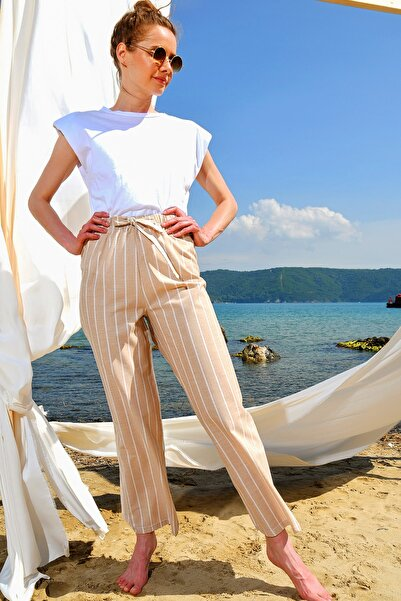 Trend Alaçatı Stili Kadın Açık Bej Bol Paçaçizgili Viscon Pantolon ALC-X4362