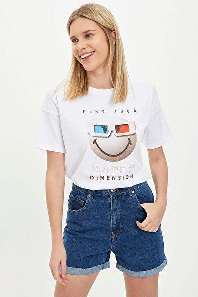Kadın Beyaz Smiley Lisans Baskılı Kısa Kollu T-Shirt R4397AZ.20SM.WT34