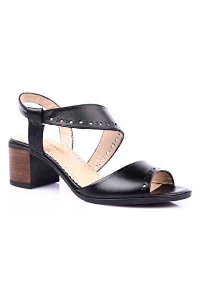 Venüs Kadın Siyah Hakiki Deri Casual Alçak Topuk Sandaleti