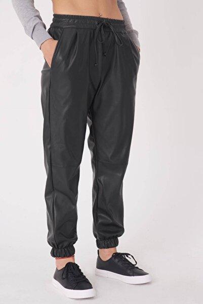 Addax Kadın Siyah Deri Görünümlü Pantolon PN4017 - S12 ADX-0000023597