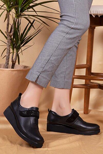 Gondol Kadın Siyah Hakiki Deri Anatomik Taban Klasik Ayakkabı