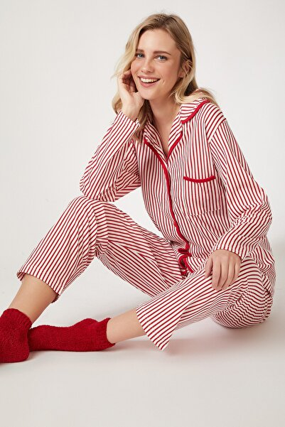 Happiness İst. Kadın Kırmızı Çizgili Baskılı Viskon Pijama Takımı AX00002