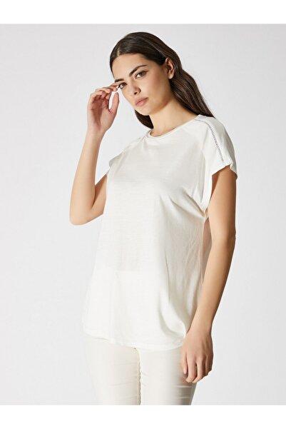 Vekem Kadın Kırık Beyaz Sıfır Yaka Japone Kol Bluz 9107-0071