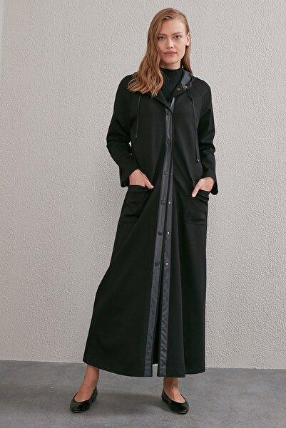 Kayra Kadın Siyah Kapüşonlu Pardesü A20 15106