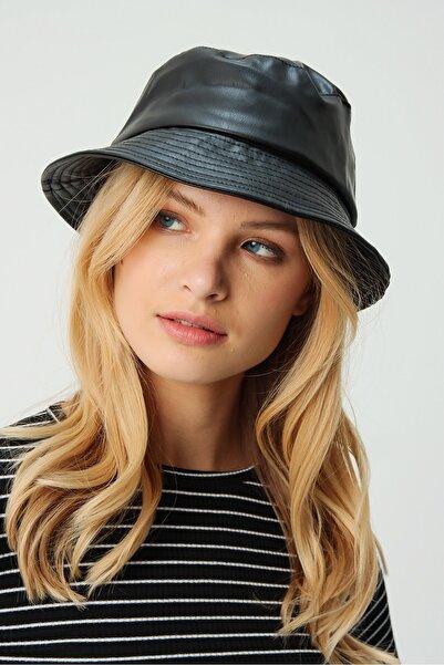 Trend Alaçatı Stili Kadın Siyah Suni Deri Şapka ALC-A2057