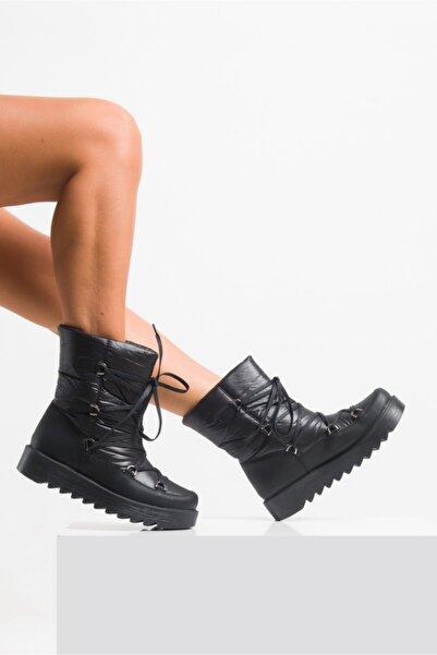 Ataköy Ayakkabı Kadın Siyah Bağcık Detaylı Kar Botu