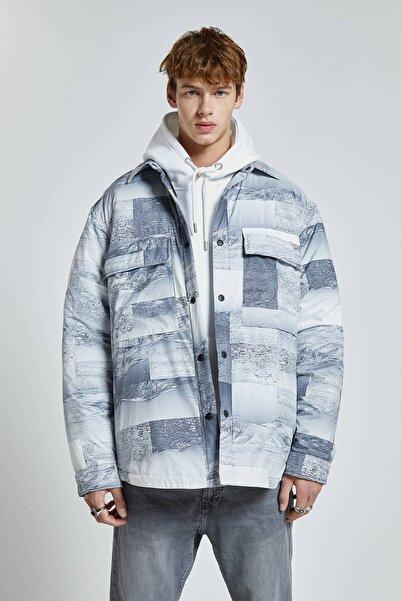 Pull & Bear Erkek Beyaz Desenli Şişme İnce Ceket 09470514