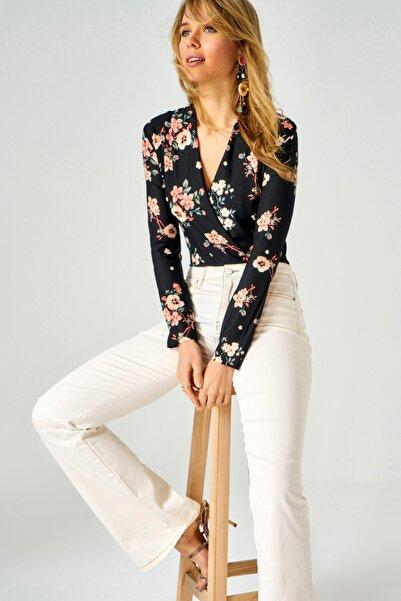 AQE FASHION Kadın Çiçek Desenli Kruvaze Yaka Bluz