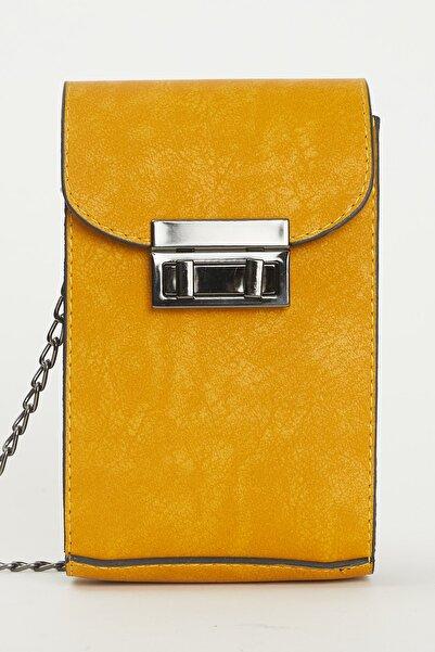 Tonny Black Kadın Sarı Kutu Kilit Ve Zincir Detaylı Çapraz Çanta