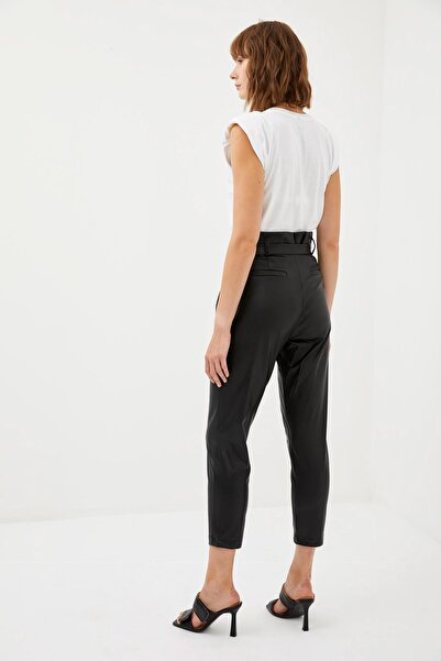 DeFacto Kadın Black Red Carrot Fit Deri Kemerli Dokuma Pantolon R6220AZ20AU
