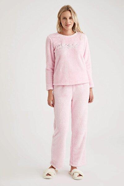 DeFacto Fit Kadın Lt.Pınk Polar Nakışlı Relax Fit Pijama Takımı T1340AZ20WN