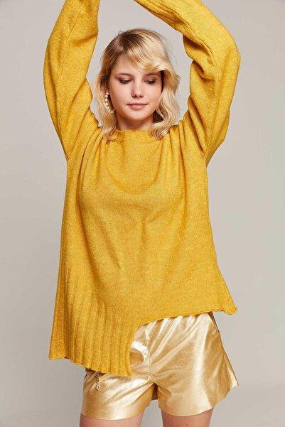 Y-London Kadın Sarı Asimetrik Kesim Oversize Triko Kazak 80000