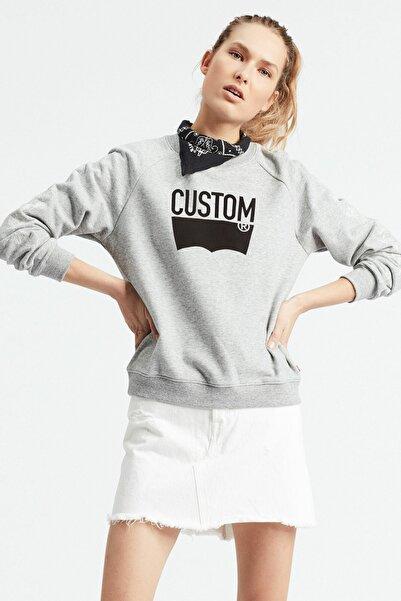 Levi's Relaxed Graphic Crew Smokestack Heather Gri Kadın Sweatshirt