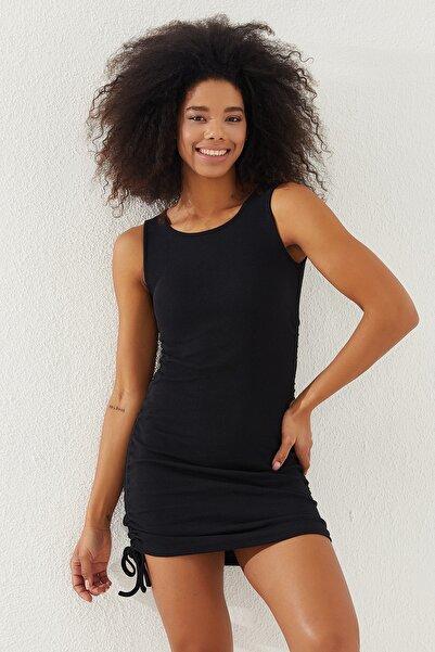 Reyon Kadın Siyah Yanları Büzgülü Sıfır Kol Elbise