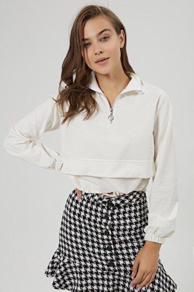 Y-London Kadın Beyaz Süs Kapak Cep Detaylı Crop Sweatshirt Y20W185-1301