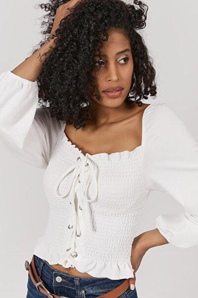 Y-London Kadın Beyaz Çapraz Bağcıklı Büzgülü Bluz Y20W191-5223