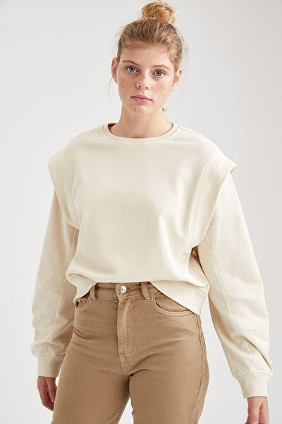 DeFacto Kadın Dik Omuz Detaylı Relax Fit Sweatshirt