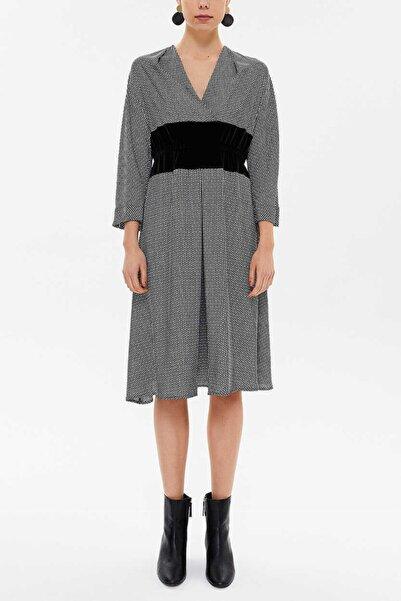 SOCIETA Kadın Siyah V Yaka Kadife Kumaş Kombinli Elbise