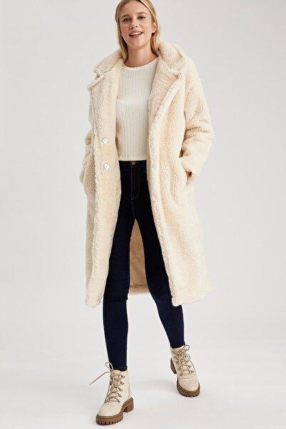 DeFacto Kadın Beyaz Oversize Uzun Pelüş Kaban