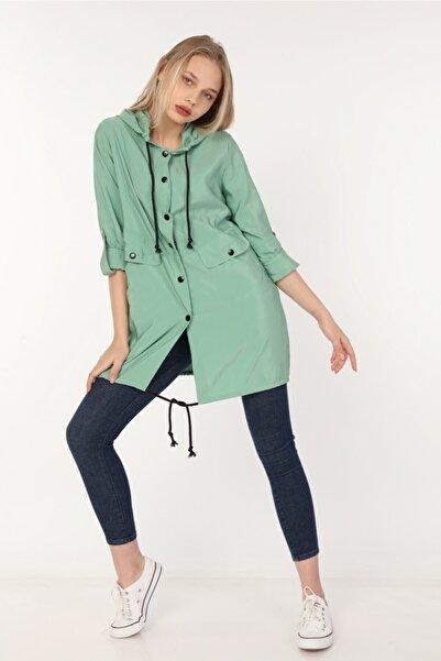 Yare Kadın Yeşil Kapüşonlu Kolları Katlama Apoletli Paraşüt Yağmurluk