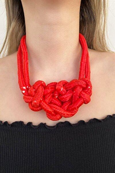 TAKIŞTIR Kadın Kırmızı Renk Örgü Desenli Kolye