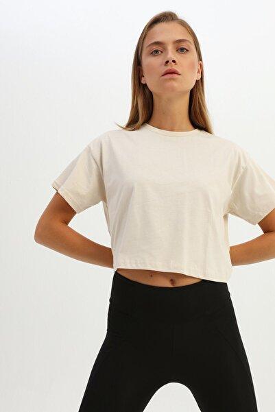 Quzu Kadın Açık Bej Basic Crop Tişört