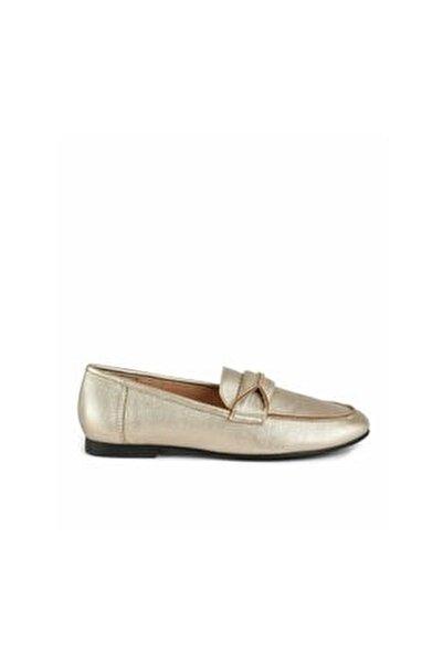 Toka Detaylı Düz Ayakkabı