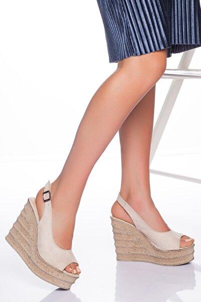 derithy Kadın Bej Süet Dolgu Topuklu Ayakkabı