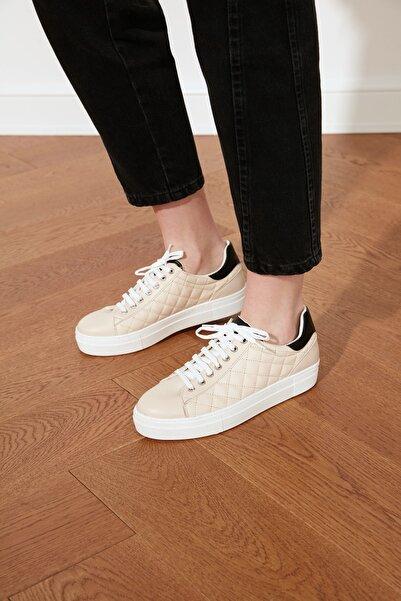 TRENDYOLMİLLA Bej Kapitone Detaylı Kadın Sneaker TAKSS21SN0017