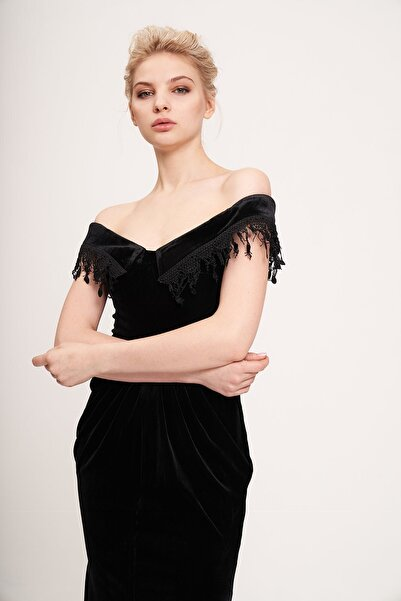 La Vita e Bella Siyah Yan Transparan Detaylı Kadife Uzun Abiye Elbise